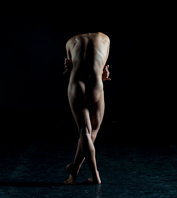 Male nude - p1139m924482 by Julien Benhamou