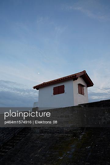 Haus am Hafen - p464m1574916 von Elektrons 08
