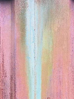Rusty pattern on a steel sheet - p1048m2016436 by Mark Wagner