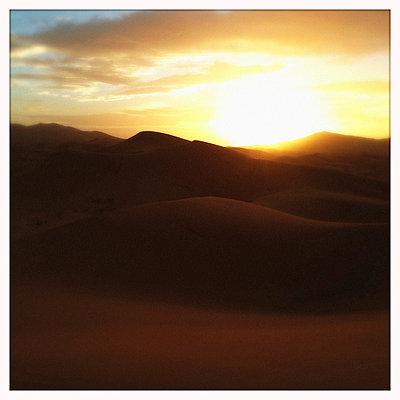 Sahara - p1065m886271 von KNSY Bande