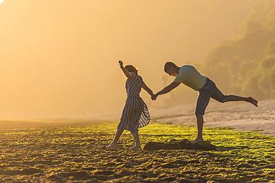 Paar am Strand - p1108m1503457 von trubavin