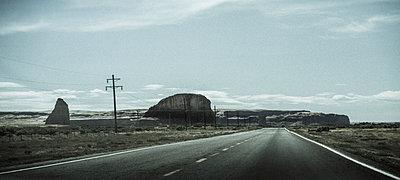 Monument Valley - p1038m931529 von BlueHouseProject