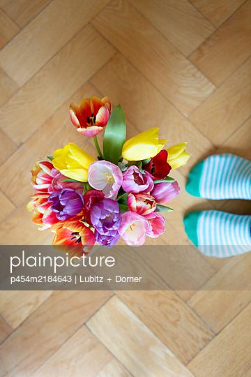 Floor flowers - p454m2184643 by Lubitz + Dorner