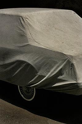 Hidden car, Cairo, Egypt - p1028m2233773 by Jean Marmeisse