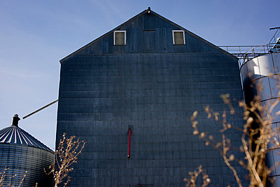 Grain Storage Building and Industrial Silos - p694m872827 by Justin Hill photography