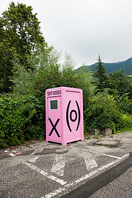 Public toilet - p954m934357 by Heidi Mayer