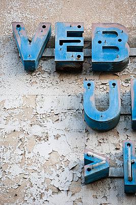 Reklame Buchstaben  - p979m1036162 von Andreas Pufal