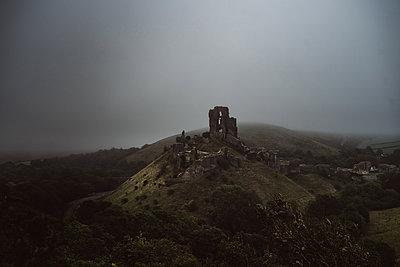 Corfe Castle - p1326m2099809 by kemai