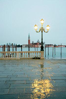Venedig vor Sonnenaufgang - p3300147 von Harald Braun