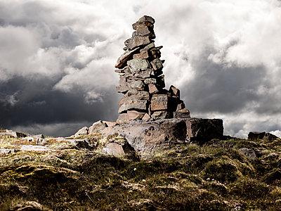 Abstrakter Steinturm - p362m1541439 von André Wagner