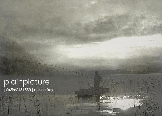 Fisherman on his boat - p945m2181559 by aurelia frey
