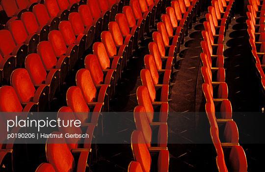 Theatre seats - p0190206 by Hartmut Gerbsch