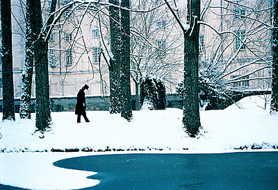 Man in winter - p6720084 by Vanessa Chambard