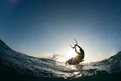 Kite surfing on Red Sea coast of Egypt, North Africa, Africa - p871m927390 by Louise Murray
