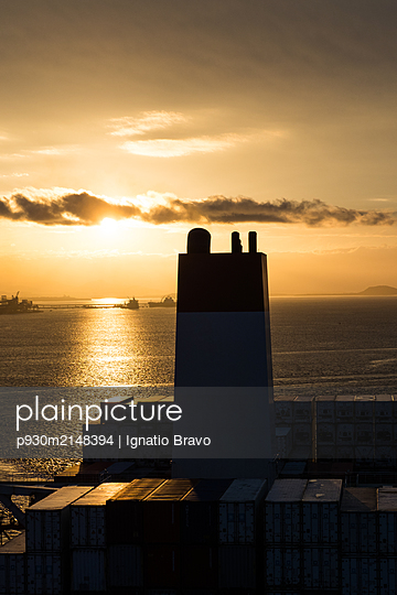 Ship funnel on container ship - p930m2148394 by Ignatio Bravo