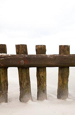 breakwater - p1043m1185508 by Ralf Grossek