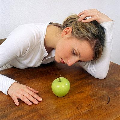Ein Apfel und ich - p2200554 von Kai Jabs
