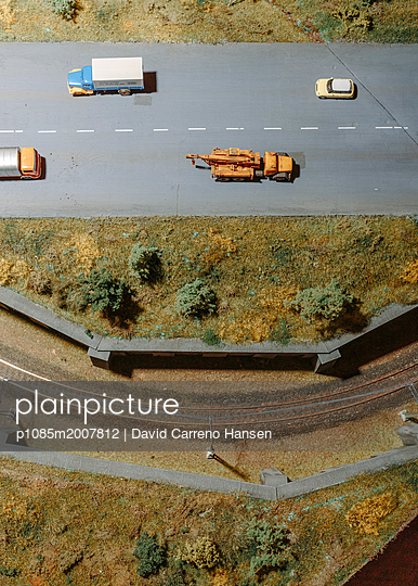 Model railway and road - p1085m2007812 by David Carreno Hansen