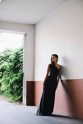 Evening gown - p586m953773 by Kniel Synnatzschke