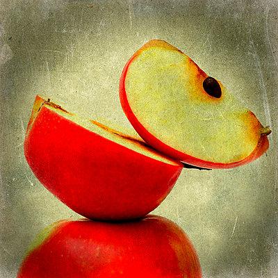Apples - p8130323 by B.Jaubert