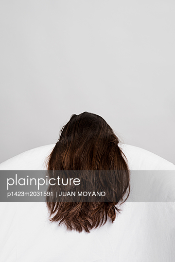 Lange Haare - p1423m2031591 von JUAN MOYANO