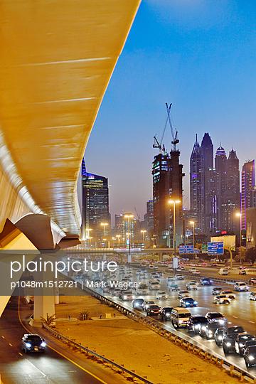 Dubai Internet City rush hour motorway traffic E11 - p1048m1512721 by Mark Wagner