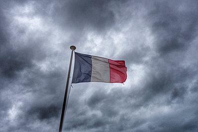 Frankreich in Not - p1189m1123040 von Adnan Arnaout