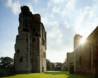 ASHBY DE LA ZOUCH CASTLE, Leicestershire. General view with sunshine.  - p855m2219143 by Historic England