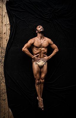 Ballet dancer - p1139m2210690 by Julien Benhamou