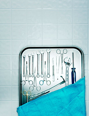 Surgical instruments  - p3940214 by Stephen Webster