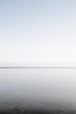 Unendliche Weite am Meer - p248m1025410 von BY
