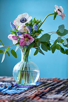 Flower bouquet - p312m1084431f by Pernilla Hed