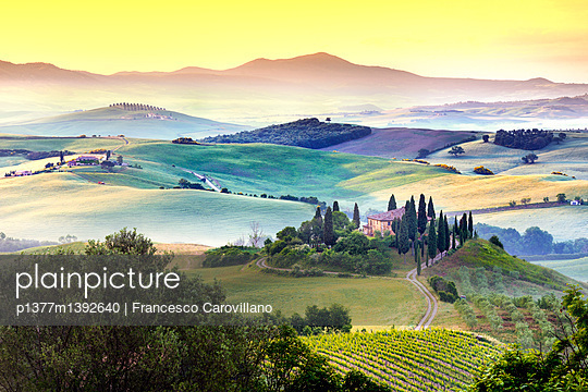 p1377m1392640 von Francesco Carovillano