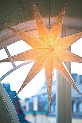 Christmas decorations - p31225406f by Plattform photography