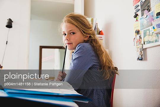 Hausaufgabenzeit - p904m1481158 von Stefanie Päffgen
