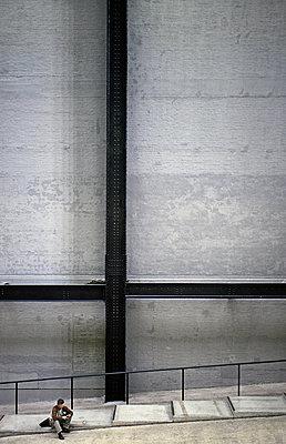 New Tate Gallery in London - p2681180 by Rui Camilo