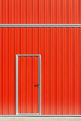 Corrugated iron - p464m1005457 by Elektrons 08