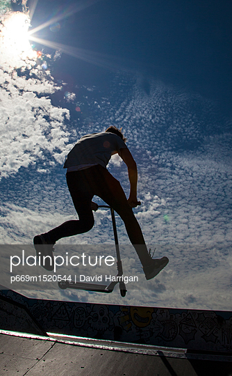 p669m1520544 von David Harrigan