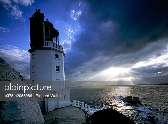 St Anthony's Lighthouse,Cornwall - p378m2085986 by Richard Waite