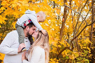 Herbstzeit - p796m2093149 von Andrea Gottowik