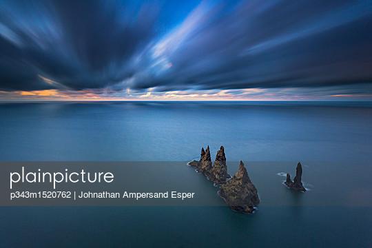 p343m1520762 von Johnathan Ampersand Esper