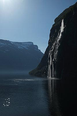 Fjord - p1105m1572680 by Virginie Plauchut