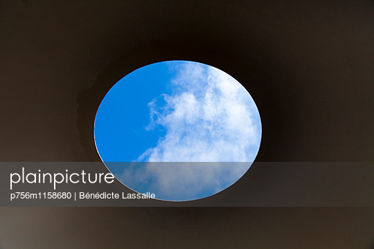 Durchblick - p756m1158680 von Bénédicte Lassalle