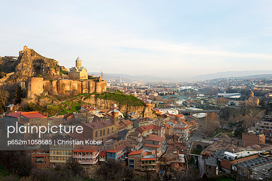 Eurasia, Caucasus region, Georgia, Tbilisi, old town and St Nicholas church on top of Narikala Fortress - p652m1058685 by Christian Kober