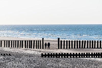 Strandspaziergang - p488m1584397 von Bias