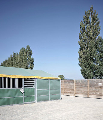 Tent - p9111523 by Gaëtan Rossier
