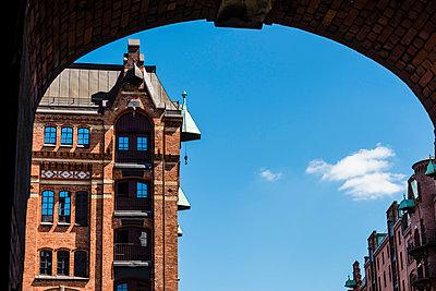Warehouse district in Hamburg - p488m1048418 by Bias