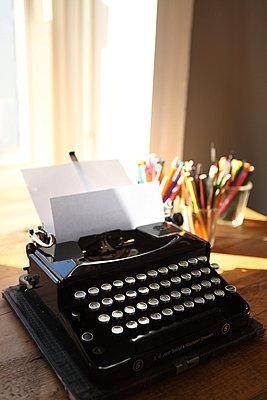 Alte Schreibmaschine - p045m852395 von Jasmin Sander