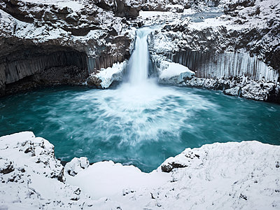Wasserfall Aldeyjarfoss - p416m991065 von Dominik Reipka