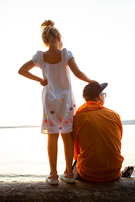 Father and daughter - p454m2217368 by Lubitz + Dorner
